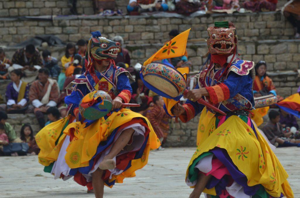 僧侶による仮面舞踏、チャム